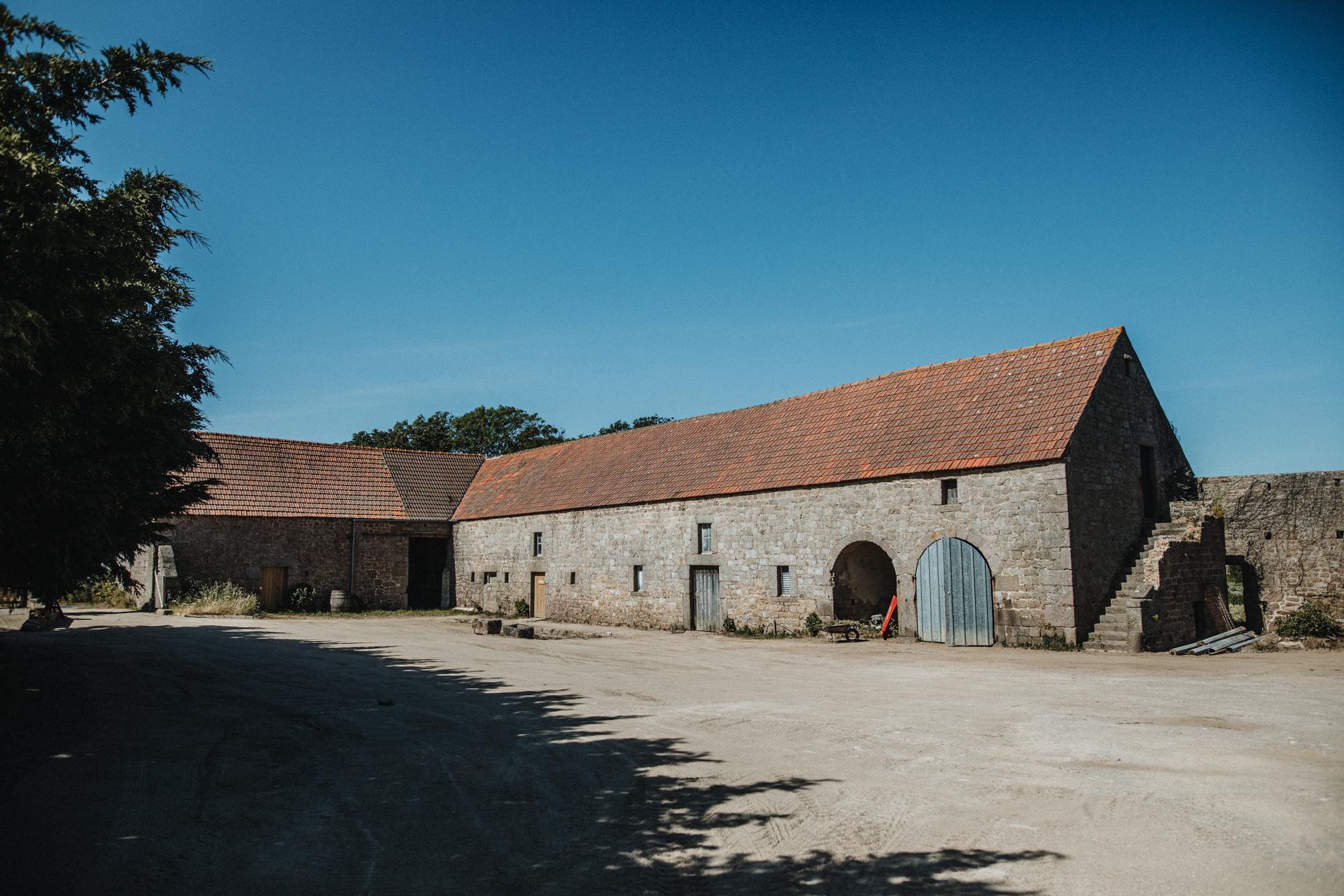 Ferme normande Cotentin Renouville grange